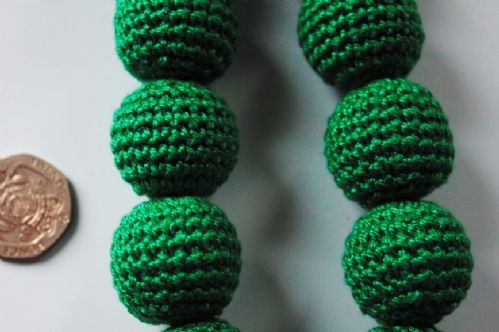 6 22mm Green Crocheted Round Wooden Beads Hole 1 mm